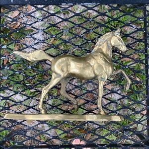 VINTAGE MIDCENTURY HEAVY BRASS HORSE ON BASE